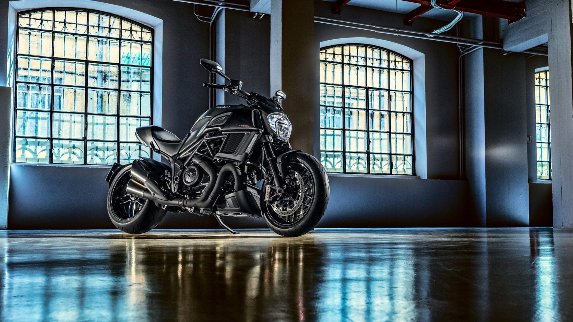Ducati - 2018 Diavel Carbon